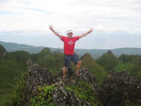 running to osmena peak, dalaguete, cebu