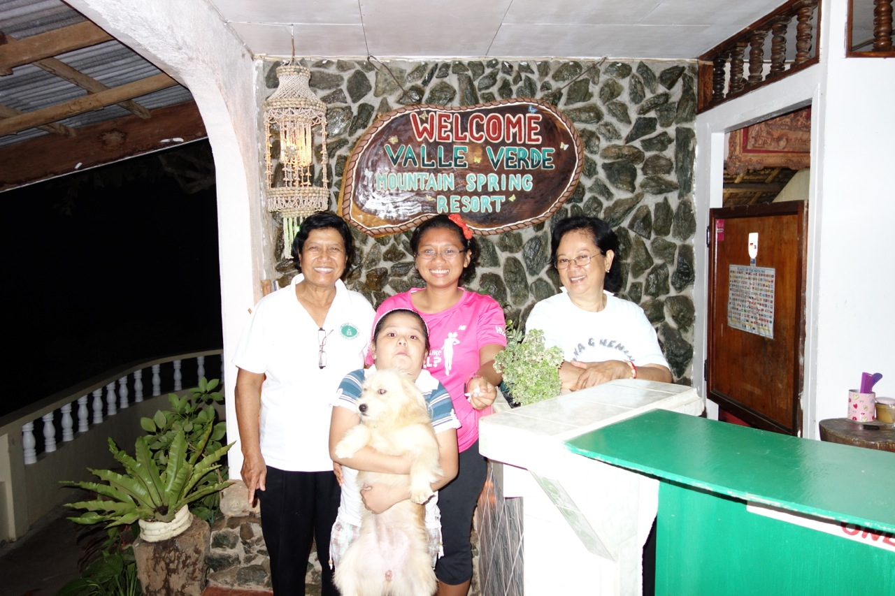 With sisters, Tita Cristy and Luisa and their granddaughter, and their kulit dog. It feels home staying there