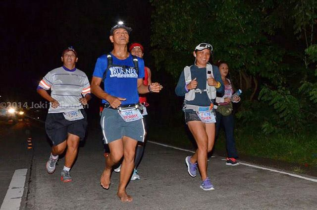 Running with the girls: Tata, Grace, Haze. Yeah, I got the #1 bib! Photo courtesy of Jo Carlo Balbontin.