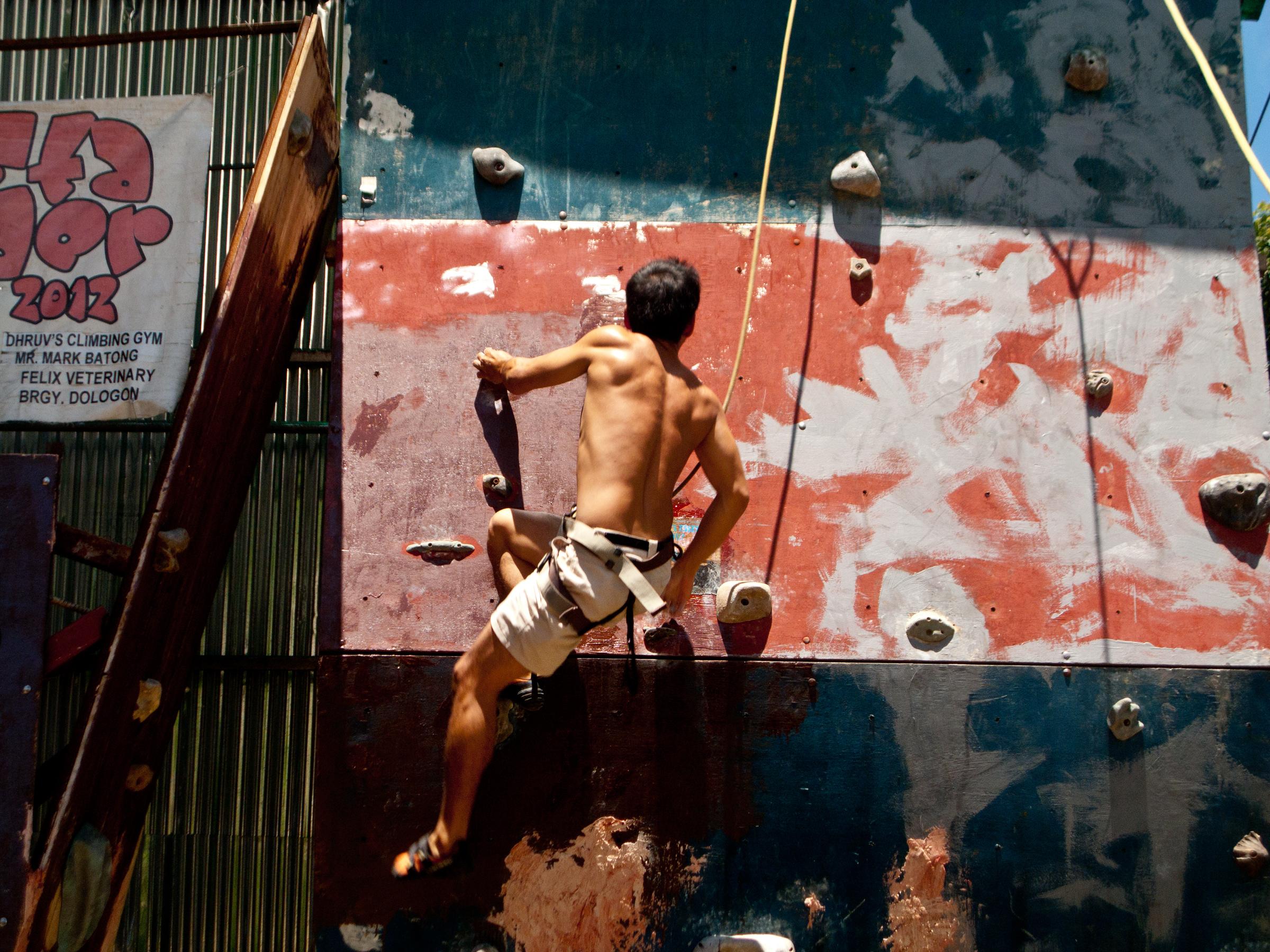 climbing-joey
